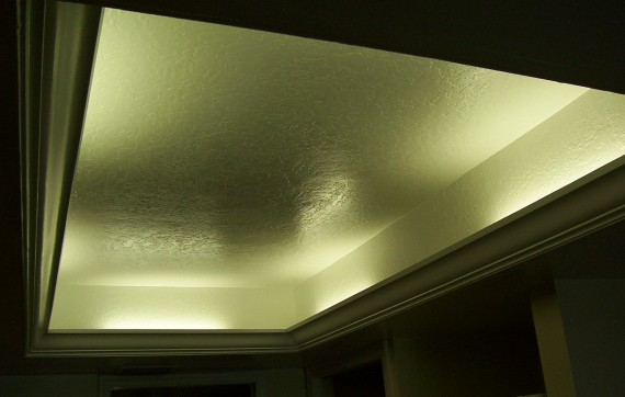 Custom tray ceiling