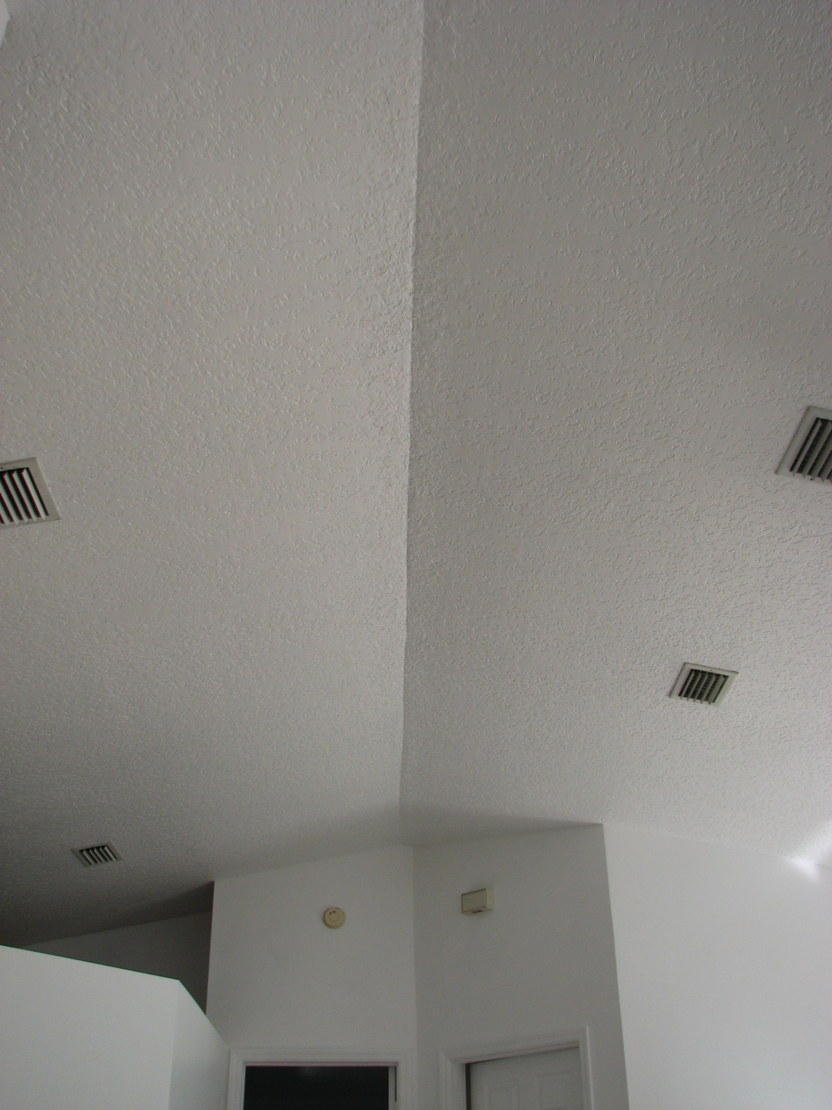 Knockdown Textured Ceiling Vaulted Ceiling Repair Knockdown Texture Matching By Peck Drywall