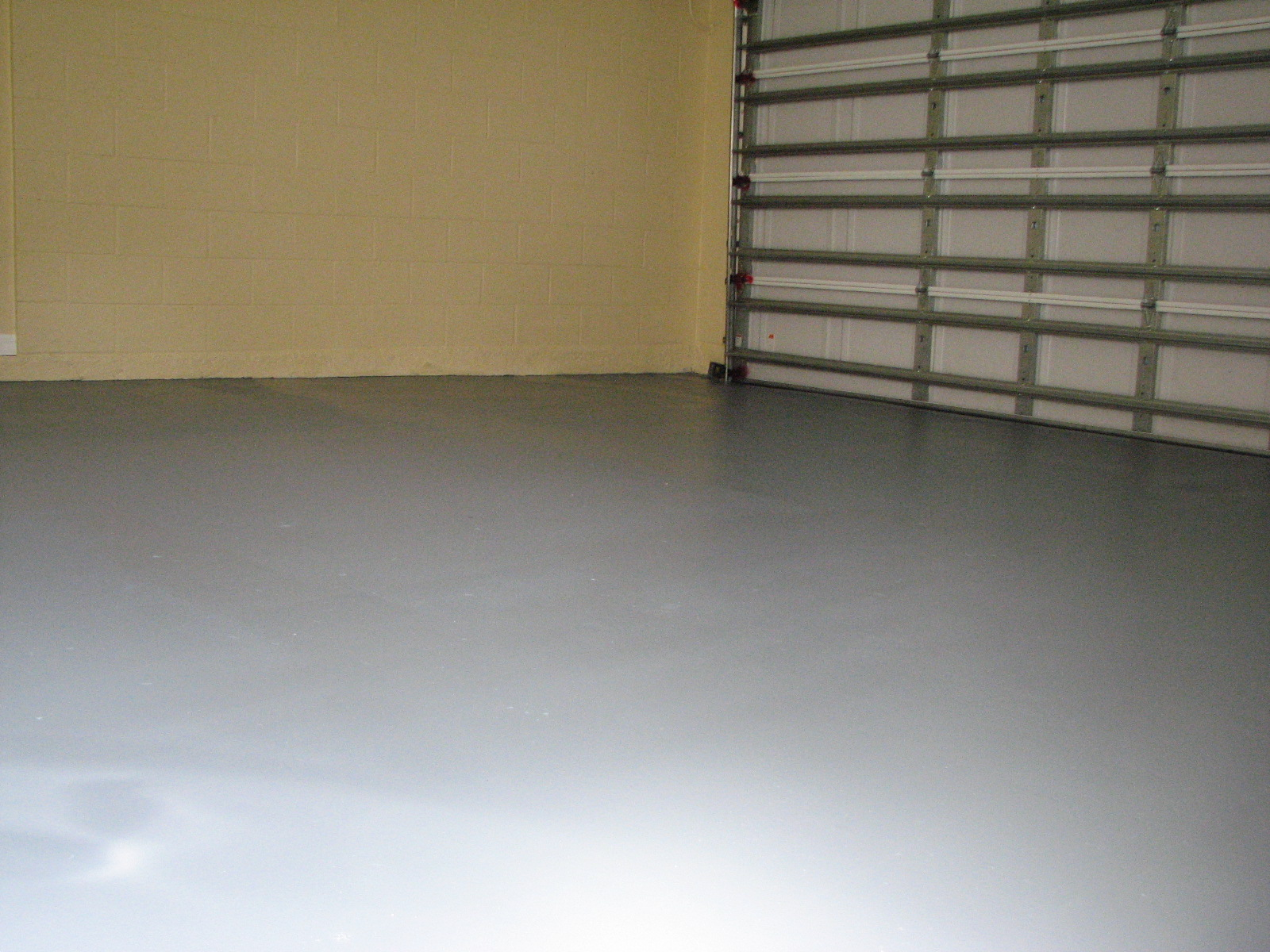 Garage floor paint archives peck drywall and painting for Garage with floor