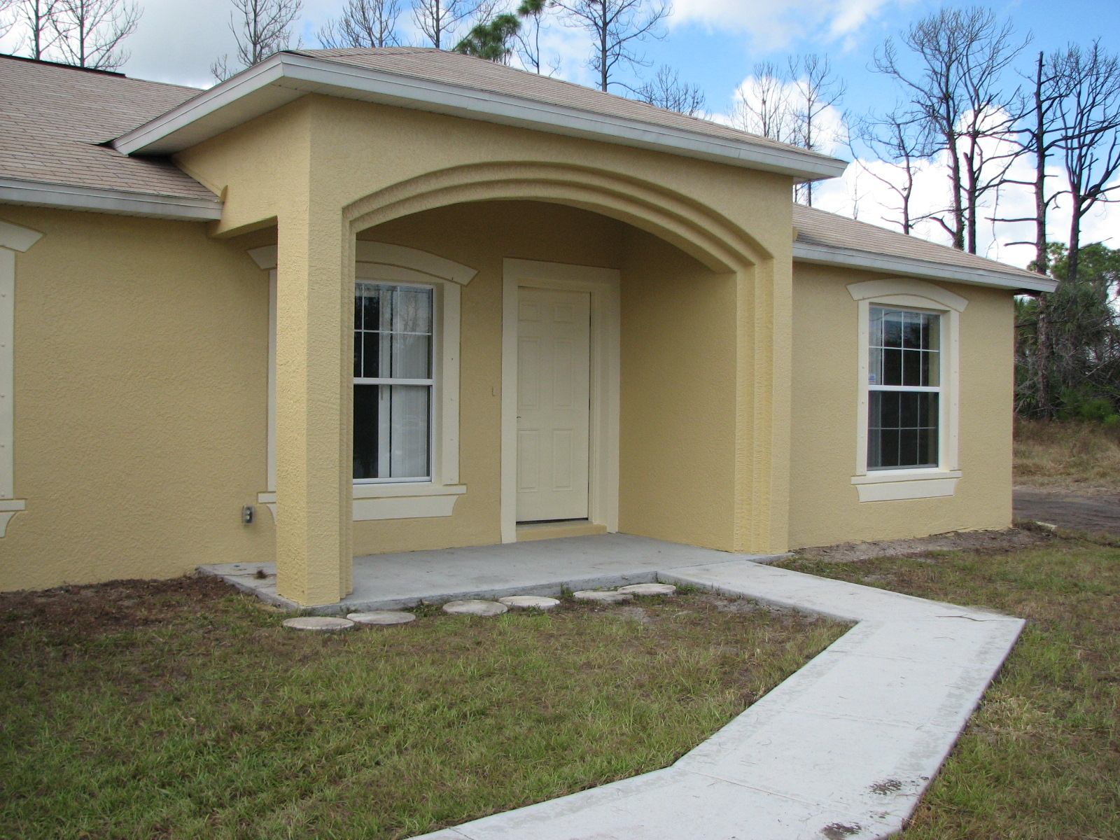 Exterior painting a short sale home in palm bay fl by for Exterior house finishes