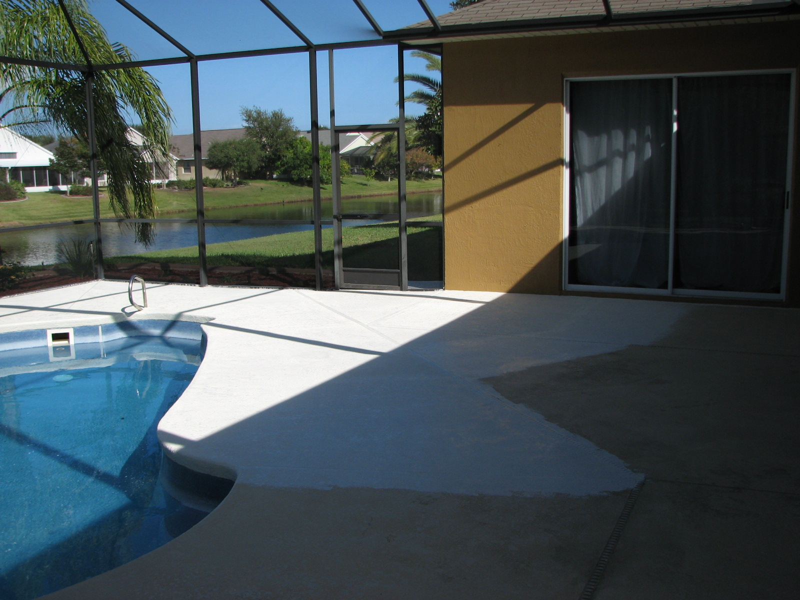 Melbourne suntree pool deck and lanai painting first coat for Lanai deck