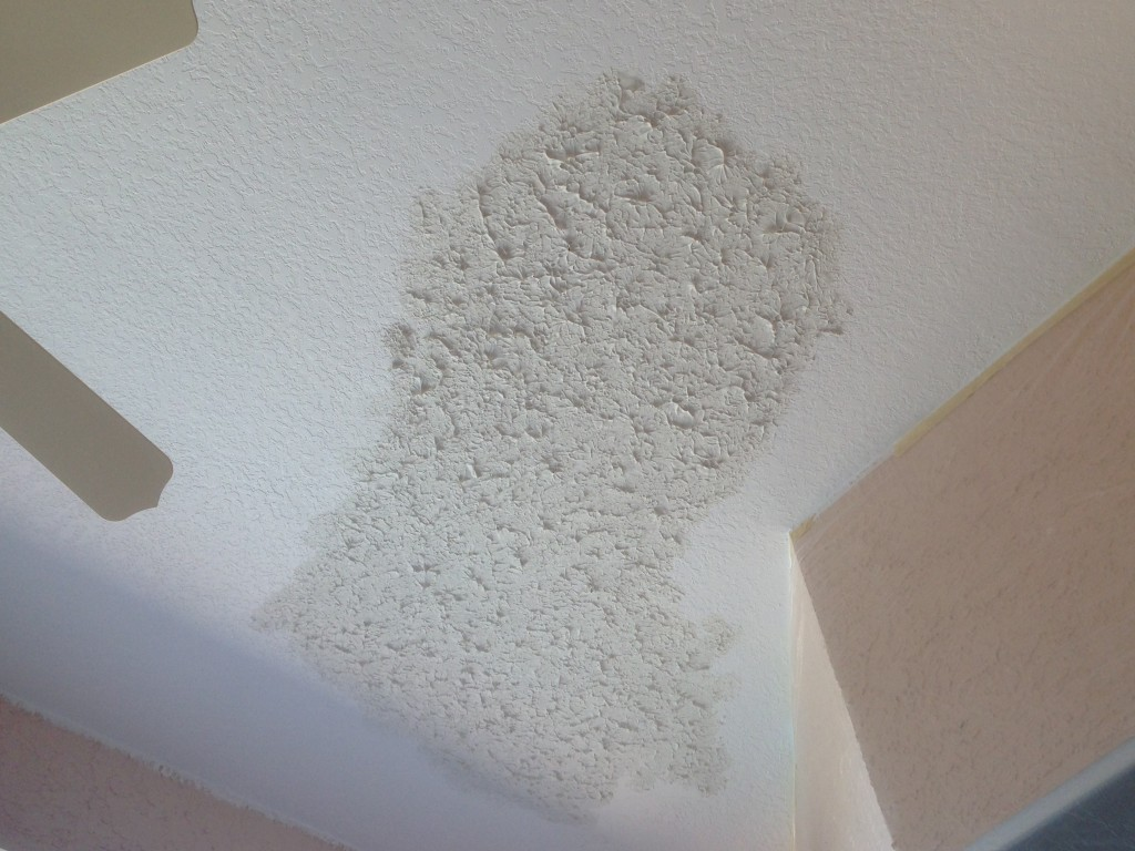 how to use a sponge to match knockdown texture on a ceiling