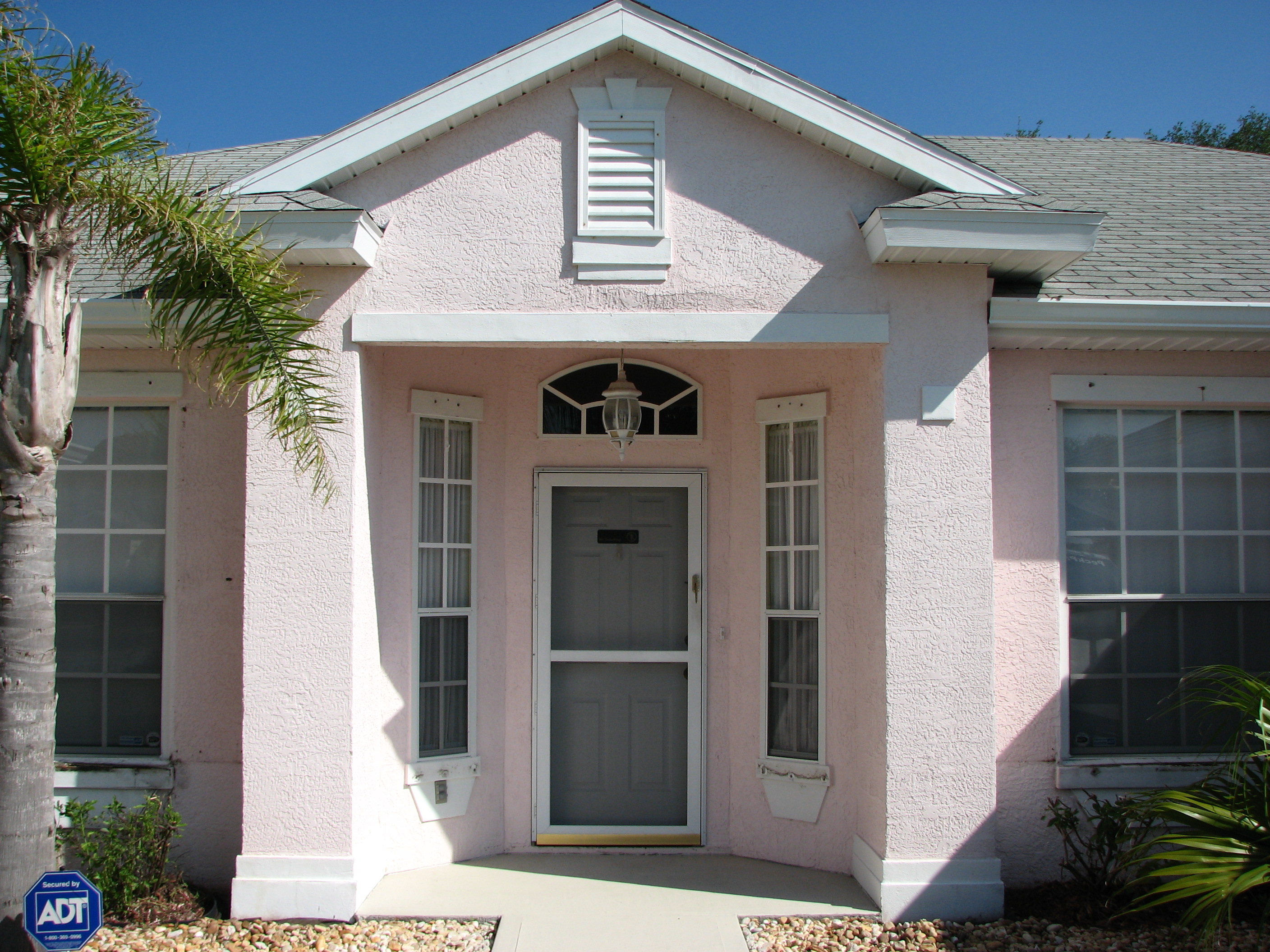 Painting stucco exterior for Florida stucco
